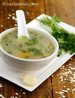 This nourishing concoction of vegetables and garlic is thickened using rolled oats. This helps add a creamy texture and also more fibre to this soup.