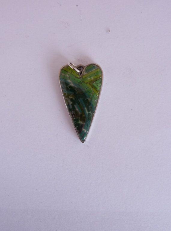 heart pendand green di MOSAICANDARTS su Etsy