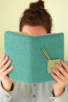 Free knitting pattern for book cover with pocket -- quick project