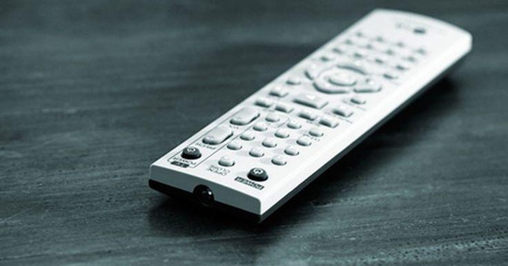 Cómo corregir el sonido en un televisor LED. Los televisores LED están basados en LCD TV, pero sólo los LED tienen más luz creada por cada píxel, que proporciona una imagen más brillante y nítida. Si estás experimentando problemas de sonido inesperados con un televisor LED, es posible ajustar la configuración con sólo unas cuantas pulsaciones de botón en el control remoto suministrado.