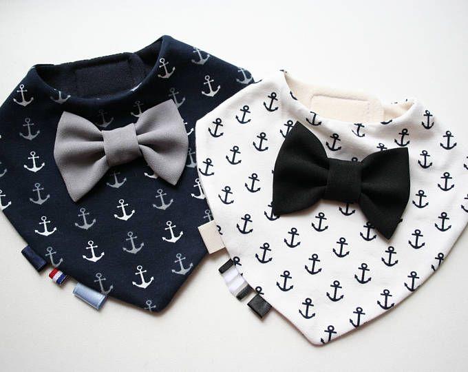 Bavoir pour bébé jumeaux ensemble amovible cravate / noeud papillon, shower de bébé, baptême / baptême garçon cadeau
