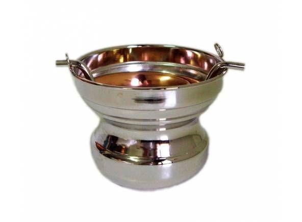 Acetre liso fabricado en metal plateado / Polished Holy Water val in silver plated brass http://www.articulosreligiososbrabander.es/acetre-liso-fabricado-en-metal-plateado-con-10-50-cm-de-altura.html