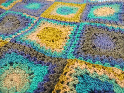 Granny square deken > KVLV > Zo gemaakt