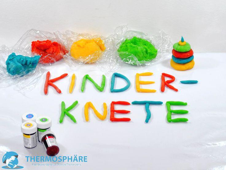 Mit dieser Kinderknete aus dem Thermomix wird aus dem langweiligen, verregnetem Sonntag, ein bunter Tag mit viel Spaß beim Kneten.