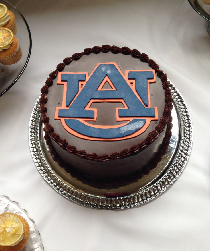 Auburn University logo cake. thebakersbox.net