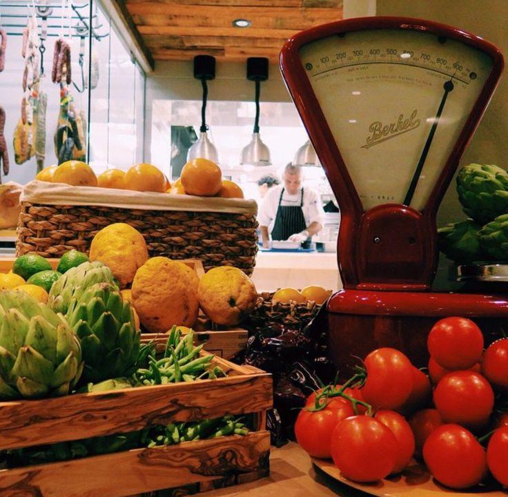 Cuisine du marché italienne méditerranéenne authentique