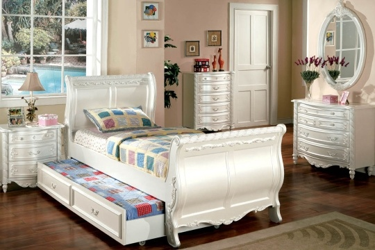 sleigh bed with trundle