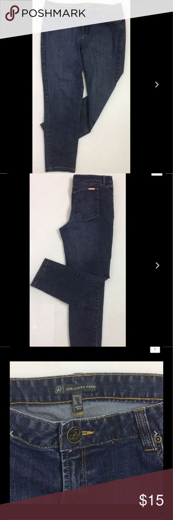 """Womens ADRIANNA PAPELL Tapered Jeans / Size 12 Womens ADRIANNA PAPELL Tapered Jeans / Classic Rise Stretch Cotton Denim Size 12  Waist 32""""  Inseam 27""""  Front Rise 10""""   Thanks for looking!   B1019 Jeans"""