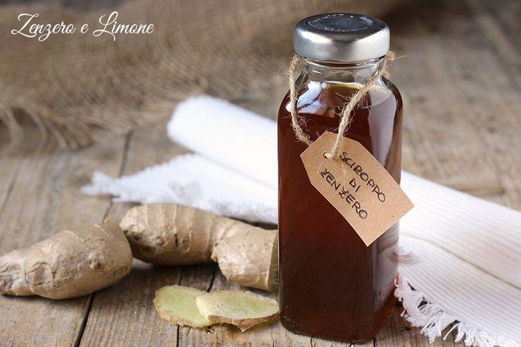 Preparare in casa un buon sciroppo di zenzero è davvero facilissimo. Perfetto per preparare delle tisane, per aromatizzare una tazza di tè o un bicchiere di acqua.