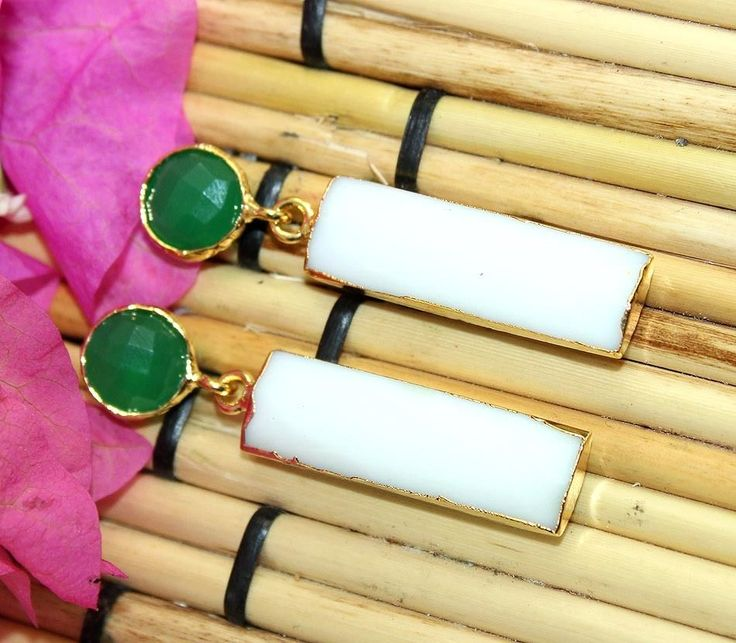 D6910 Offer White Agate And Green Onyx Gold Plated Earring For Women jewelry #Handmade #DropDangle #CasualParty