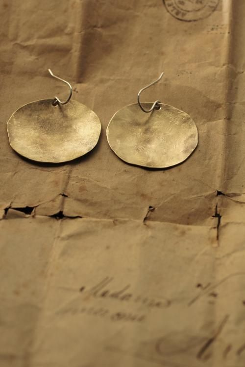 Brass Oval Plate Earrings - M | IRRE
