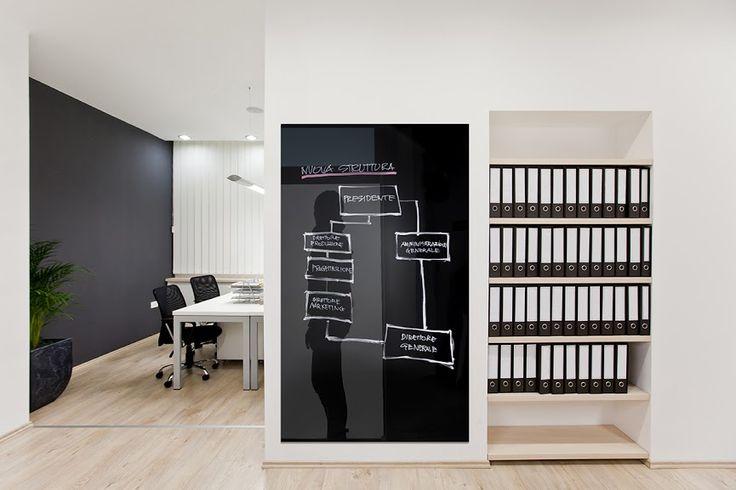 Gli accessori per l'ufficio organizzano al meglio lo spazio di lavoro rendendolo funzionale per tutte le esigenze.  Tra tutti, le lavagne magnetiche e modulari sono indispensabili per la pianificazione delle attività, contattaci per maggiori informazioni!