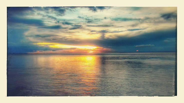 Por do sol no Rio Amazonas