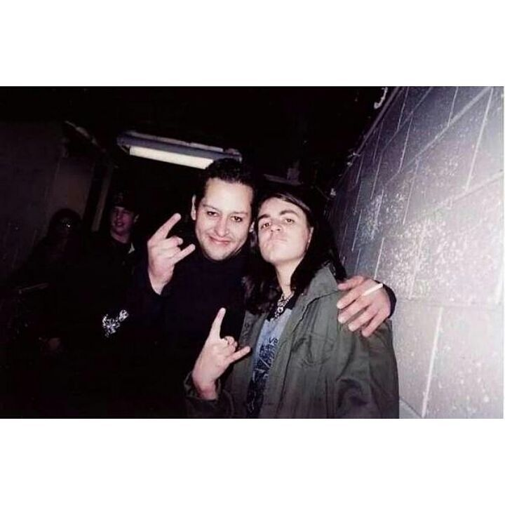 Paul Gray and a young Jay Weinberg. Quite an incredible photo all these years later. #PaulGray #RIPPaulGray #JayWeinberg #Slipknot