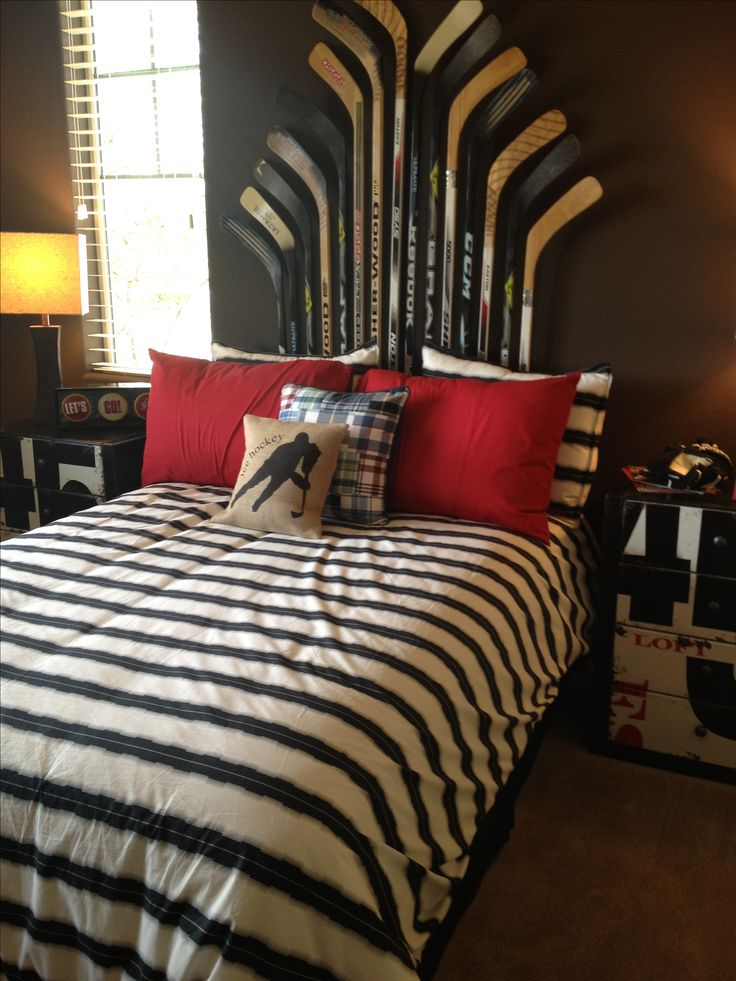Awesome headboard idea for my guest bedroom. Canadiens stuff would be perfect!