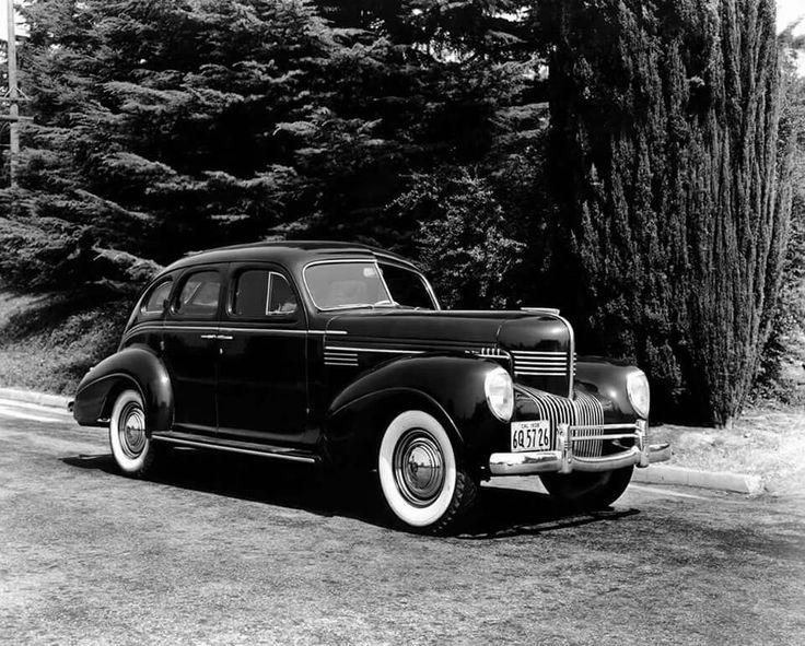 1939 Chrysler New Yorker.
