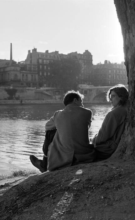 Paris, 1952. Photo by Erich Lessing.