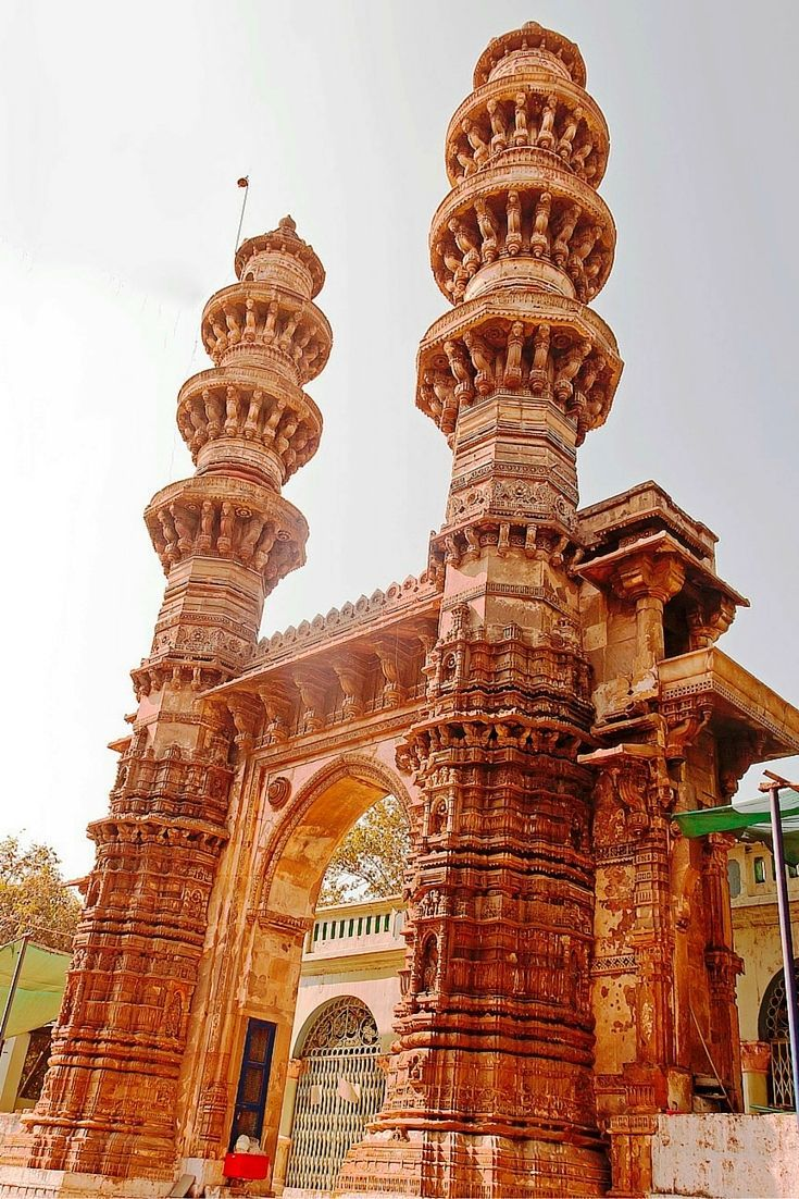 Ahmedabad's Shaking Minarets - An Unsolved Enigma