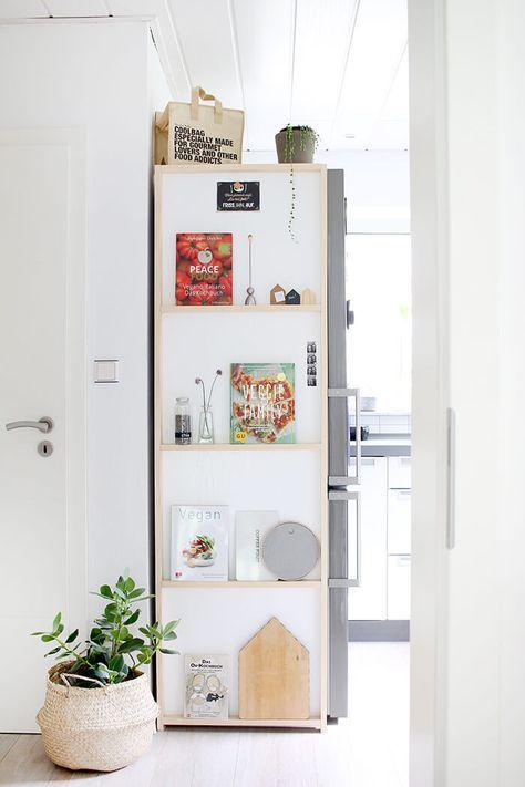 Do it yourself Regal für die Küche aus Holz und Klebefolie - schöne mülleimer für die küche