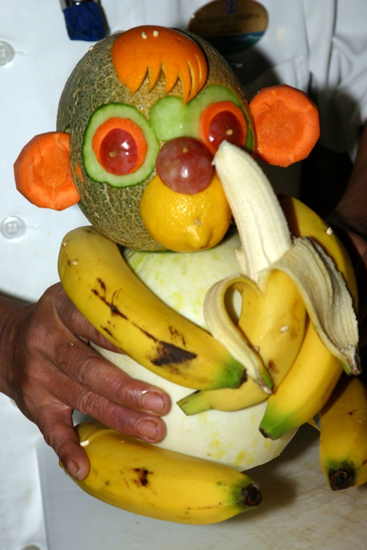 Monkey fruit sculpture fruit pinterest fruit for Art of food decoration