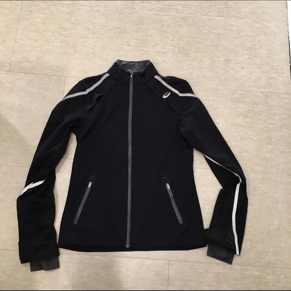 Black Asics jacket Beautiful jacket. Super comfortable. In amazing condition! Make me an offer asics Jackets & Coats