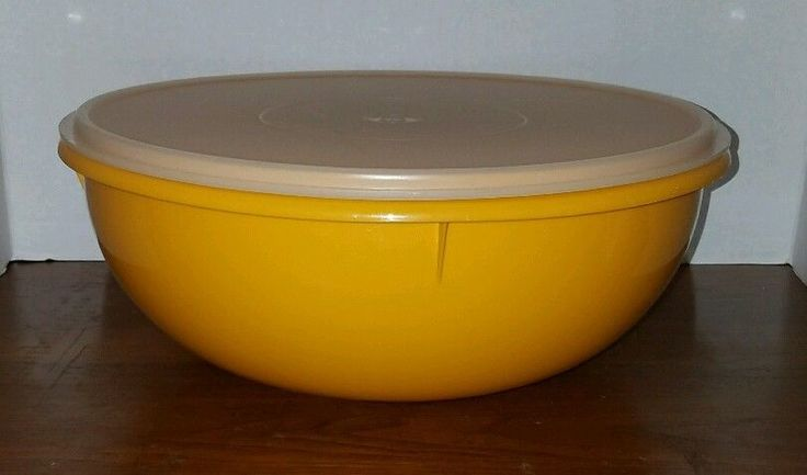Vintage  Tupperware Fix N Mix Bowl 26 Cups yellow / gold bowl clear seal # 274