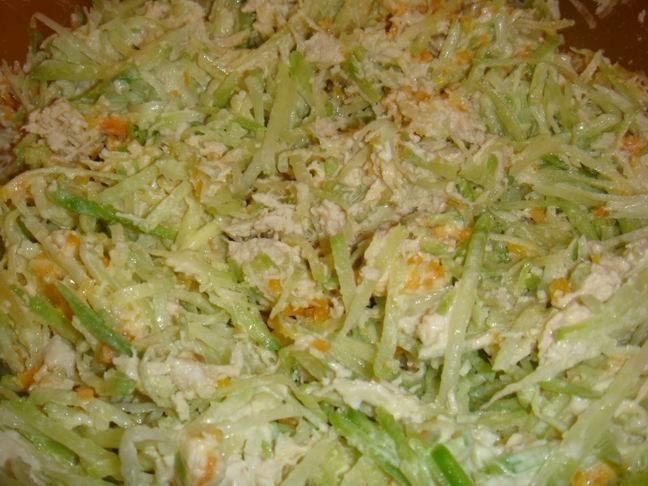 Салат из редьки с курицей