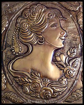 CAMAFEU PROENÇA - REPUJADO EM LATÃO MIRIAN KELLER'S ARTS - Repujado (Latonagem) Artístico em Lâmina de Metal