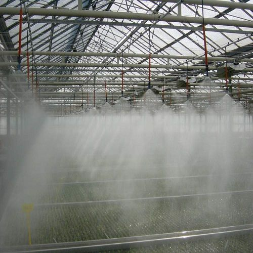 Irigarea prin ceata este uniforma si functioneaza in regim automatizat. Folie Solar