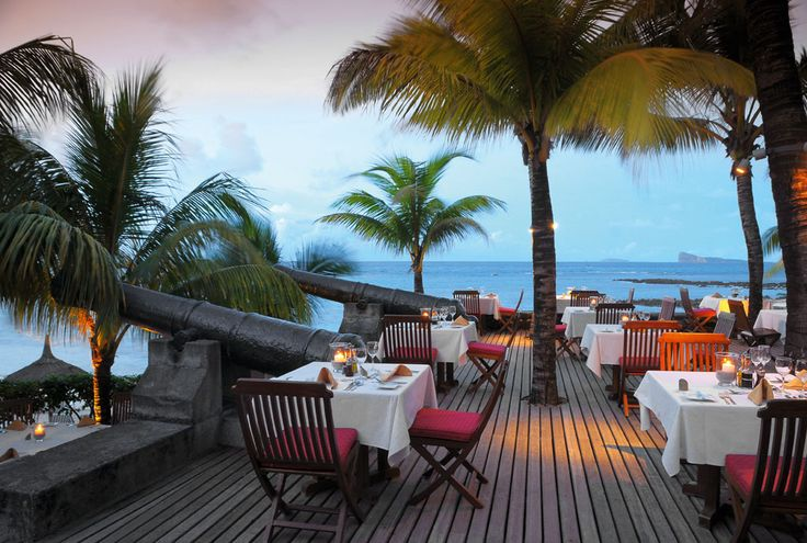 Sensational sunsets and a breathtaking location overlooking the beach and ocean. If you are looking for a romantic and secluded beach dinner spot, Le Navigator is perfect! #beach #honeymoon #couples #romance #holiday