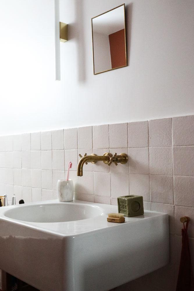 Salle de bain Evier Peinture Rose Appartement Stéphanie Lizée