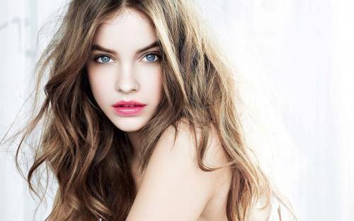 Braune Haare blaue Augen blasse Haut rosa Lippen: #Pinklips