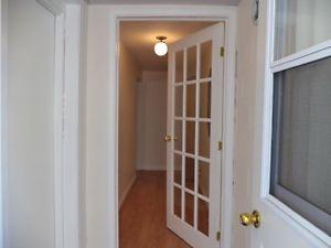 1 Bedroom apt in Stirling Belleville Belleville Area image 1