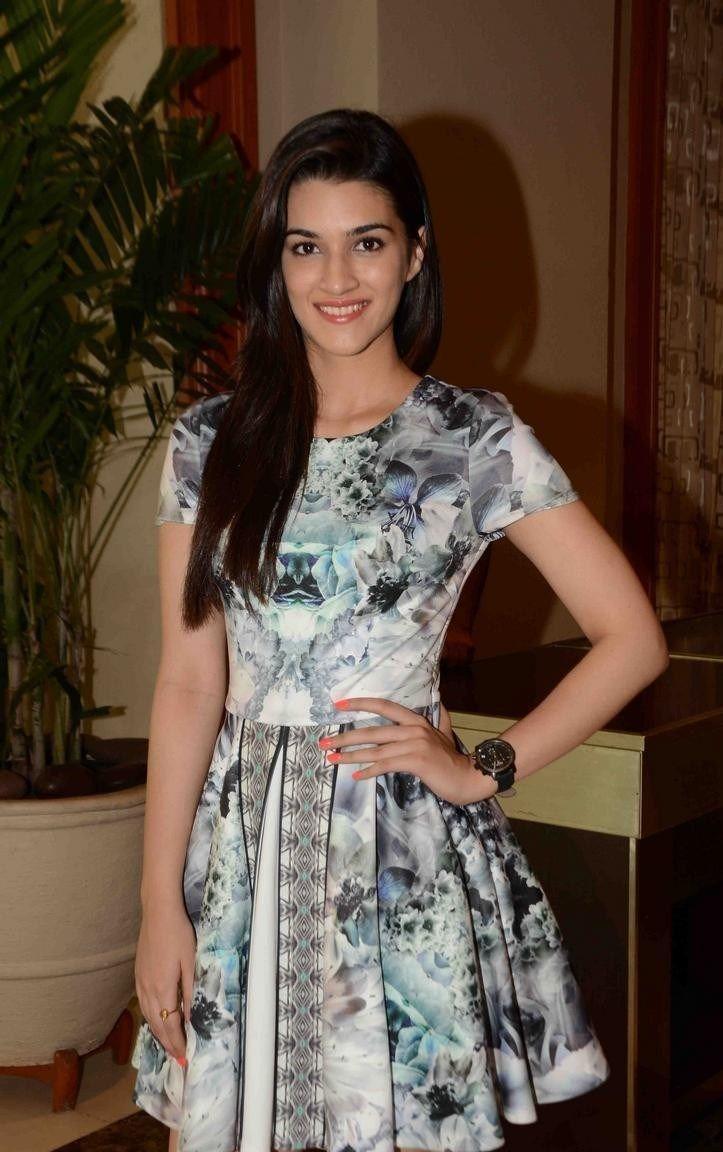Kriti sanon images hd wallpaper all 4u wallpaper - Kriti Sanon Latest Images Bollywood Actressindian Actressespajamaglamour Wallpapersgallerybeautyphotos
