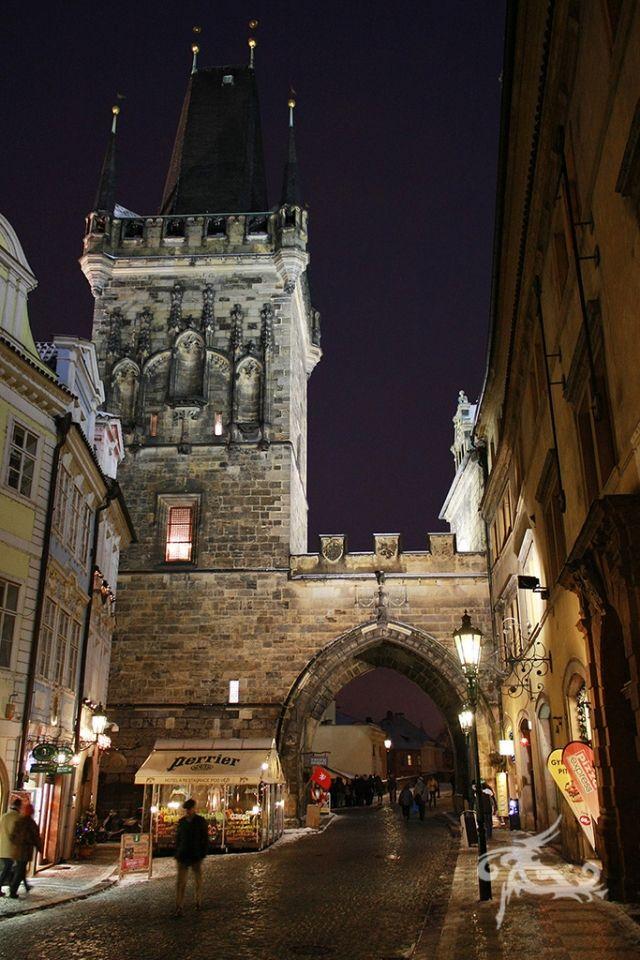 Reisebericht Wintermärchen in Prag - Die Stadt leuchtet im Dezember schon ab 16 Uhr geheimnisvoll.