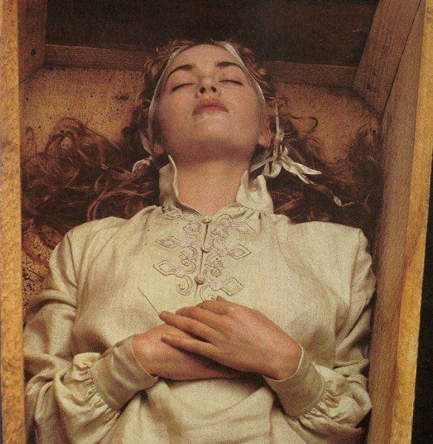 does Ophelia's death contribute to the catharsis in the play hamlet?