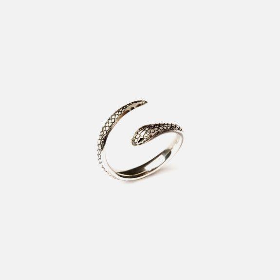Folkloriika - Snake Pinky Ring