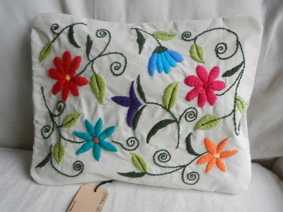 Almohadones bordados a mano - Almohadones - Casa - 493991