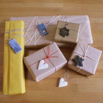Poppytalk: Best of DIYs | Polymer gift tags
