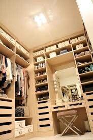 Closet + penteadeira + prateleiras