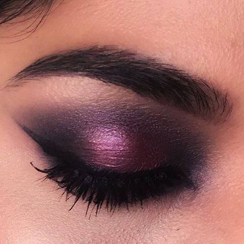 Want your eyes to steal the spotlight on #NYE? Try this crazy sexy look by @bisnu_k and psst…all these shades are FINALLY in stock (wink, wink). #NYEMakeup #Makeup #Eyeshadow ---- Buxom Eyeshadow in LBD, Wild Nights, & Silk Sheets