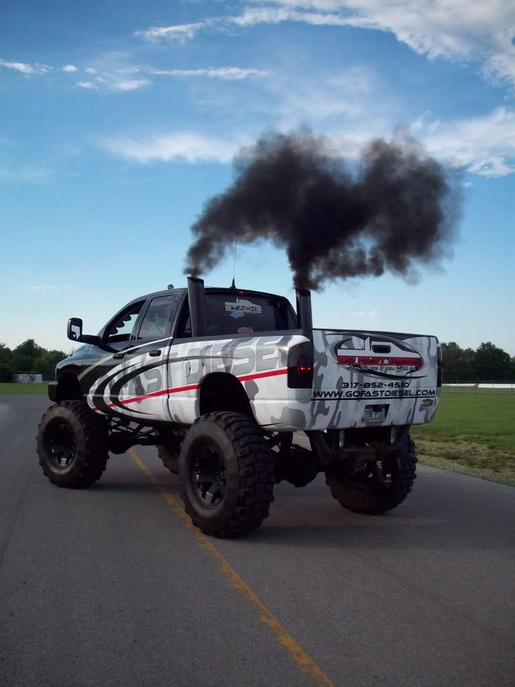 lifted #dodge #... Lifted Duramax Diesel Blowing Smoke