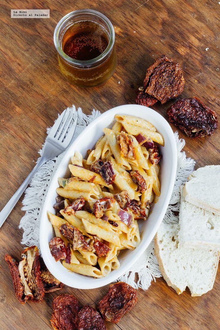 Receta de pasta con jitomate deshidratado, receta con fotografías de cómo hacerla y recomendaciones de cómo servirla. Recetas de pastas. recetas vegetarianas
