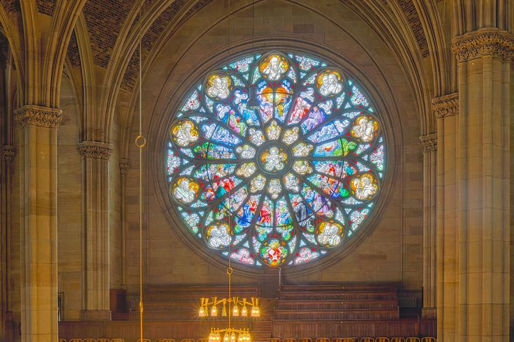 Gedächtniskirche der Protestation in Speyer. Glasfenster von Karl de Bouché 2015-07-03 Speyer Gedächtniskirche 1404 - 1409.jpg