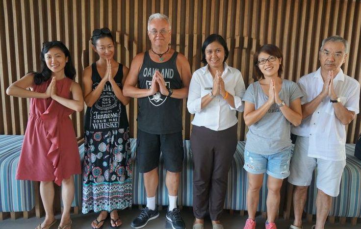Thailand-wai-in-koh-samui