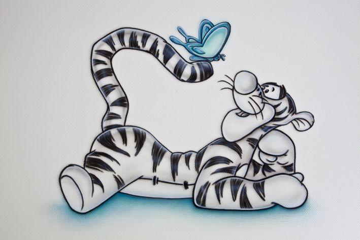 R-BRUSH muurschildering van Teigetje met turkoois gekleurde vlinders verspreid door de kamer. Turkoois lijkt een trend in de babykamers te worden..