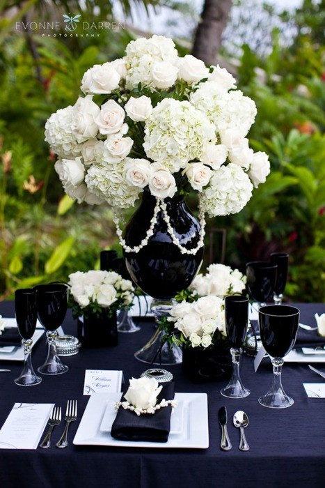 Black & white table setting
