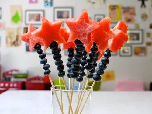 From @twccrystalegger: Cute Fourth of July wands...watermelon, blueberries & skewers...easy snack to make with the kids or take to a party!