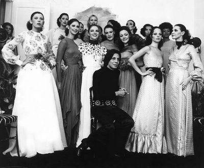 Soterópolis Fashion: MORRE UM DOS GRANDES INTÉRPRETES DA MODA BRASILEIRA : CLODOVIL HERNANDES Clodovil Hernandez e suas criações