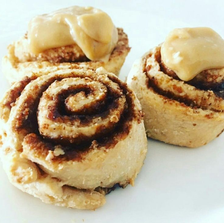 HEALTHY version of those cinnamon scrolls you often see at the bakery.  At just 67 calories each, these scrolls are great to add to lunch boxes or have as a sweet treat.   Makes 16 serves. #scrolls #healthyscrolls #cinnamonscrolls #healthy #healthysweets thehealthymummy